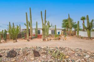 714 N CORTEZ Road, Apache Junction, AZ 85119