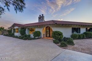 4717 E ROCKRIDGE Road, Phoenix, AZ 85018