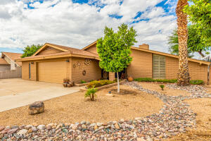 4518 W FRIER Drive, Glendale, AZ 85301