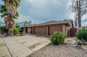 6407 W MESCAL Street, Glendale, AZ 85304