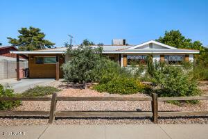 6638 E LATHAM Street, Scottsdale, AZ 85257