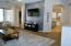 Living room intok itchen