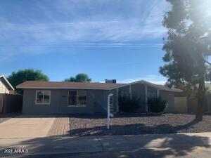 8809 W ROMA Avenue, Phoenix, AZ 85037