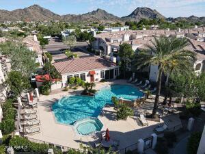 1747 E NORTHERN Avenue, 213, Phoenix, AZ 85020