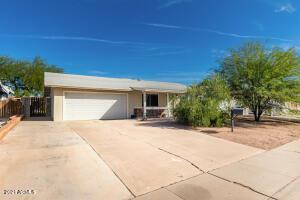 924 E FLINT Street, Chandler, AZ 85225