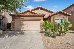 44 W DESERT VISTA Trail, San Tan Valley, AZ 85143