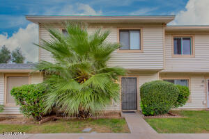 4708 S KENNETH Place, Tempe, AZ 85282
