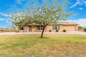 34983 N CARRIAGE Lane, San Tan Valley, AZ 85140