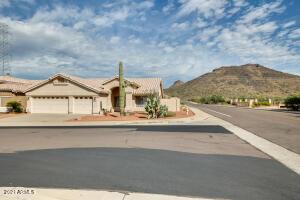 6102 W SAGUARO PARK Lane, Glendale, AZ 85310