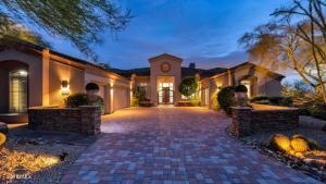10915 E KAREN Drive, Scottsdale, AZ 85255