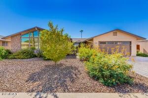 10619 W DESERT ROCK Drive, Sun City, AZ 85351