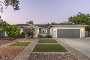 4028 E MITCHELL Drive, Phoenix, AZ 85018