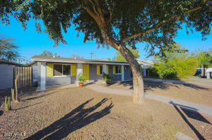 3540 E PICCADILLY Road, Phoenix, AZ 85018