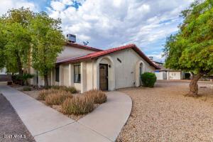 2438 E TRACY Lane, 2, Phoenix, AZ 85032