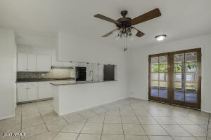 3042 E DESERT COVE Avenue, Phoenix, AZ 85028