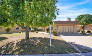 10461 W HUTTON Drive, Sun City, AZ 85351