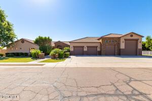 915 E KAEL Street, Mesa, AZ 85203