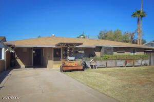 North/ South facing home on 6000 sqft lot with irrigation available.