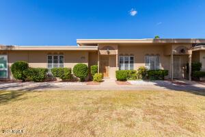 10015 W LANCASTER Drive, Sun City, AZ 85351
