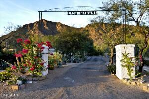 5710 E Camelback Road, Phoenix, AZ 85018