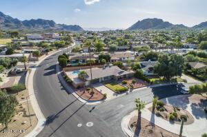2749 E CINNABAR Avenue, Phoenix, AZ 85028