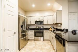 7325 W WILSHIRE Drive, Phoenix, AZ 85035
