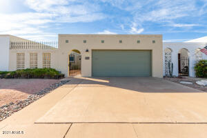 323 W LAGUNA Drive, Tempe, AZ 85282