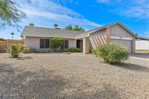 2105 N LOS ALTOS Drive, Chandler, AZ 85224