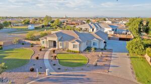 2764 E CLAXTON Court, Gilbert, AZ 85297
