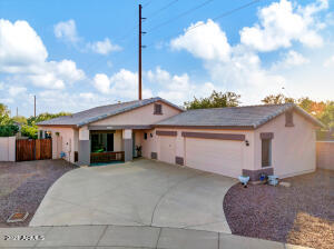 WELCOME HOME! FRONT ELEVATION WITH HUGE DRIVEWAY & 3 CAR GAR
