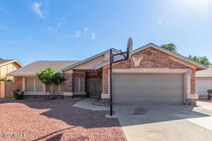 8587 W MEDLOCK Drive, Glendale, AZ 85305