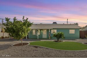 2033 W CITRUS Way, Phoenix, AZ 85015