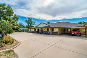 1711 N LINDSAY Road, Mesa, AZ 85213