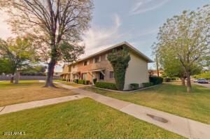 8441 E MONTEBELLO Avenue, Scottsdale, AZ 85250