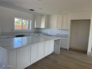 7834 E SWEETWATER Avenue, Scottsdale, AZ 85260