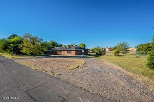 1530 E MESQUITE Street, Gilbert, AZ 85296