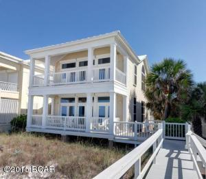 This 5 bedroom Gulf front house offers a private walkway to the Beach.
