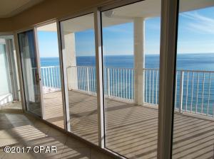 Spacious balcony with stunning Gulf of Mexico views! See dolphin, manta rays & schools of fish from the comfort of your home!