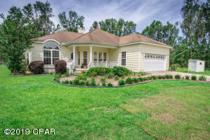3568 Villa Court, Chipley, FL 32428