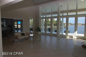 571 Wahoo Road, Panama City Beach, FL 32408