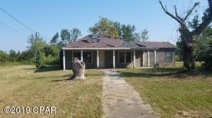 10111 Western Road, Fountain, FL 32438