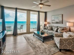 Double sliding glass doors allow plenty of natural light inside. The Florida sunshine gives this unit a refreshing ambiance.