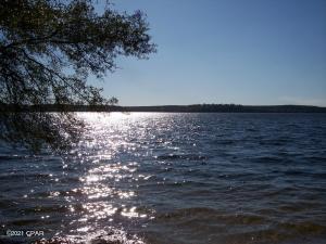 01, 02 Lakeside Drive