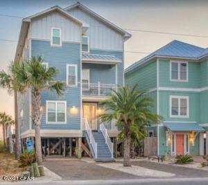 A classic beach house where memories are made.