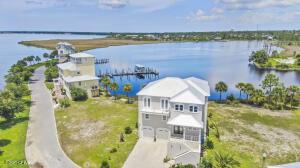 6711 Yacht Club Drive, Panama City, FL 32404