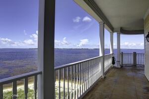 Desirable 348 sq ft private balcony!