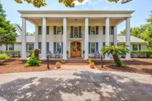 141 Wynnehaven Beach Road, Mary Esther, FL 32569