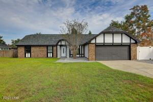 209 Derby Woods Drive, Lynn Haven, FL 32444
