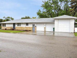 Property for sale at 332 1st Avenue NE, Garrison,  ND 58540