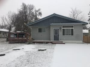 Property for sale at 115 Oliver Avenue, Center,  ND 58530